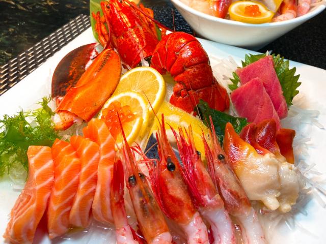 澳门维景酒店翠庐西餐厅西葡海鲜自助晚餐